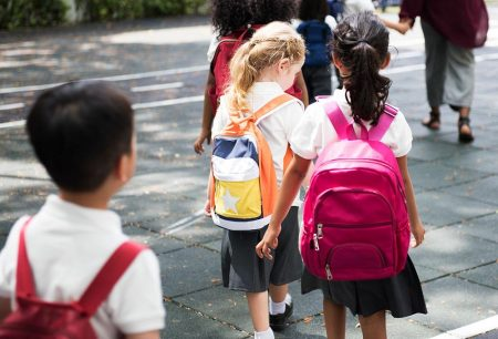 Should You Be Worried About Heavy School Bags & Scoliosis ?